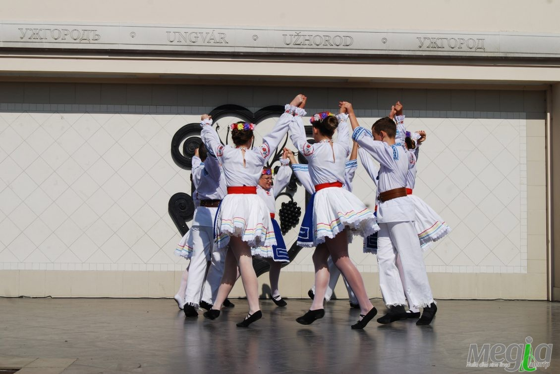 Запальний танець ужгородської юні