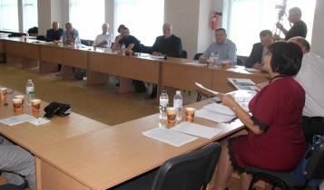 В УжНУ дискутували про виклики на західних кордонах України