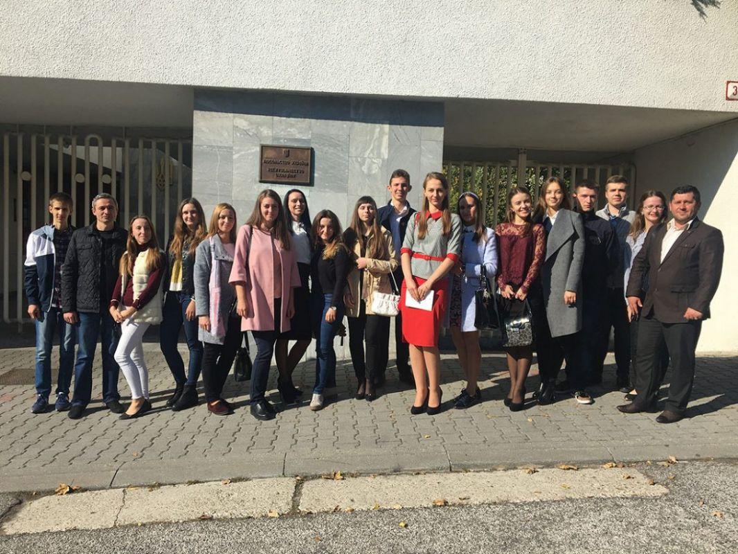 Студенти факультету історії та МВ пізнають ази дипломатичної діяльності на практиці