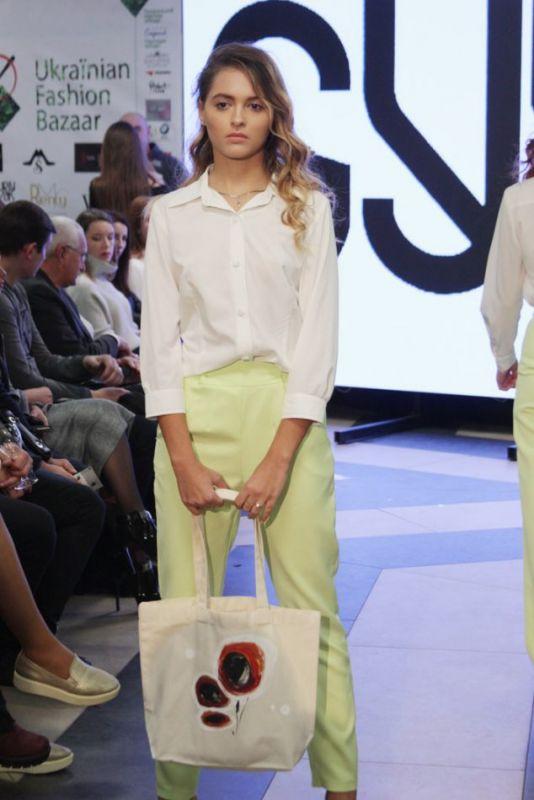 Студентки УжНУ стали моделями на Ukraïnian Fashion Bazaar