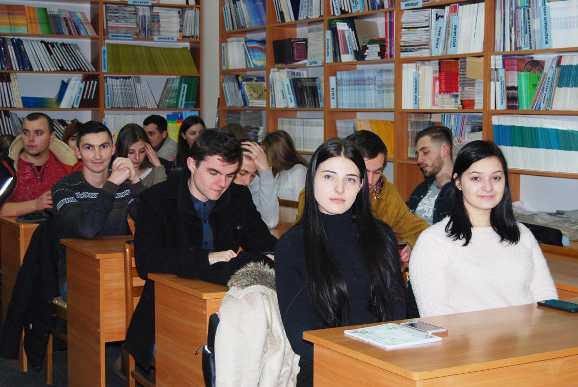 Кафедра історії України публічно звітувала про свої здобутки