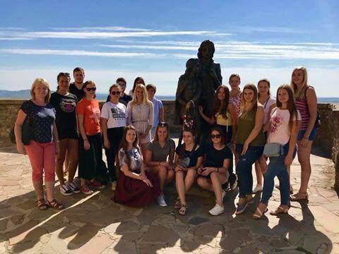 Як туризмознавці УжНУ чеських колег із Закарпаттям знайомили
