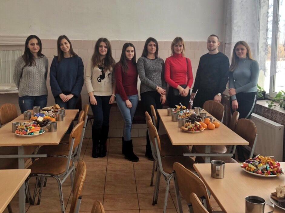 Ужнівці влаштували благодійну акцію для школярів Берегівського ліцею імені Есе Томаша