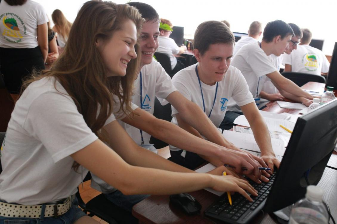 Юліана Юрченко - програмування в шість рук