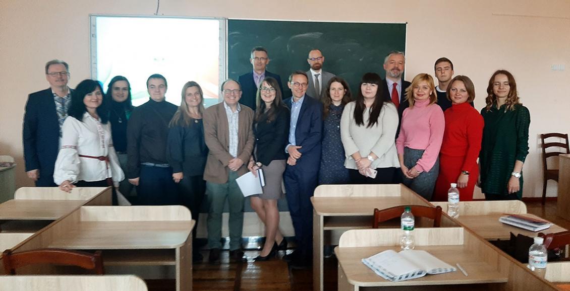 Представниці правничого підрозділу УжНУ підвищували кваліфікацію на з'їзді Асоціації юридичних клінік України (фото)