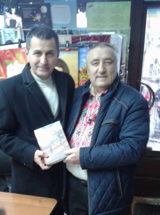 На Андрія – до Андрія: акцію «Письменник за прилавком» днями підтримав письменник Андрій Дурунда