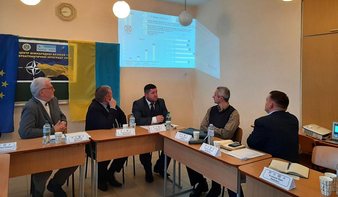 Михайло Шелемба презентує результати соціологічного дослідження