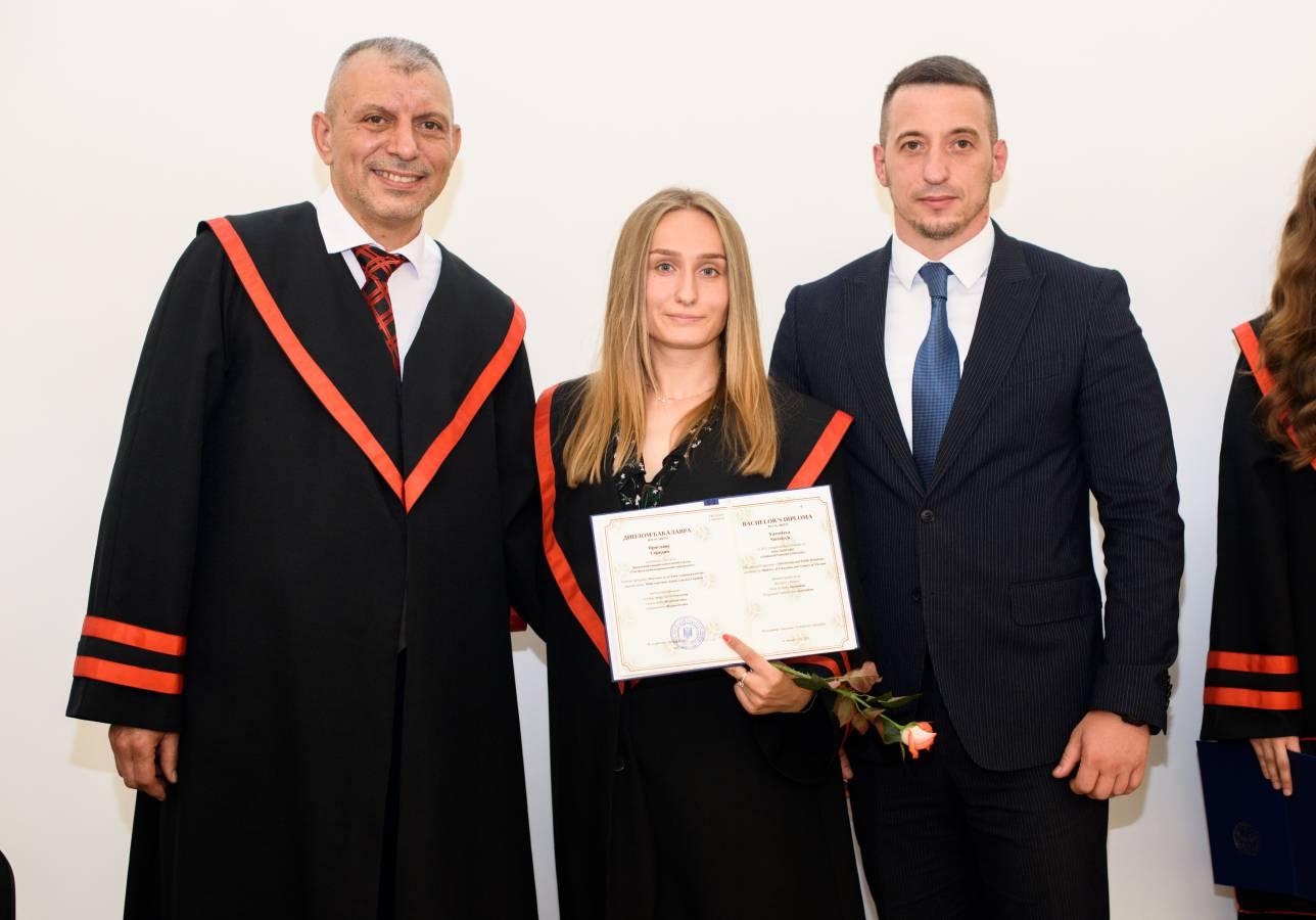 Якби випускників вітав Франко і Костенко: бакалаври філфаку – з дипломами!