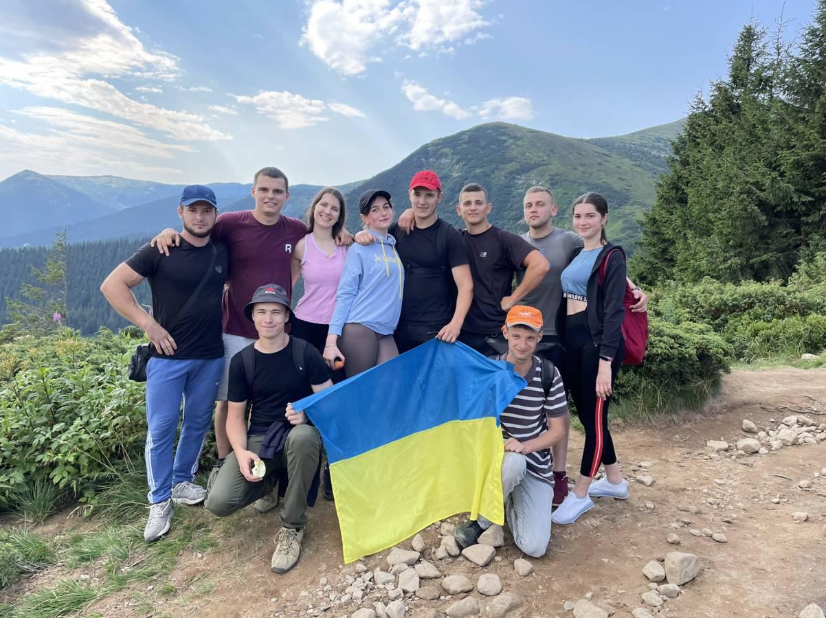 До ювілею Незалежності України: студенти й випускники УжНУ підкорили Говерлу