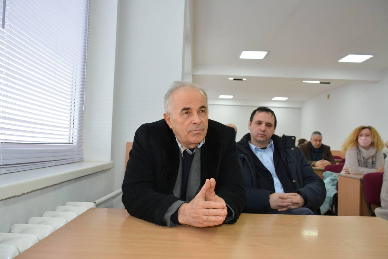 Ректор УжНУ обговорив проблемні питання з колективом факультету МЕВ