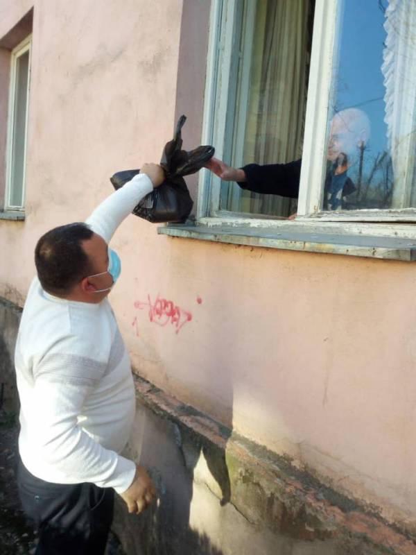 Під час пандемії головне – люди: ужгородці вже підтримали понад 1000 сімей