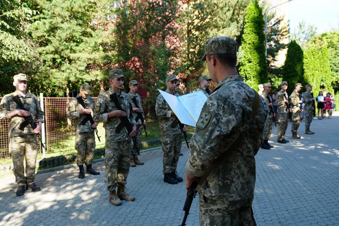 Випускники кафедри військової підготовки присягали в режимі «карантин»