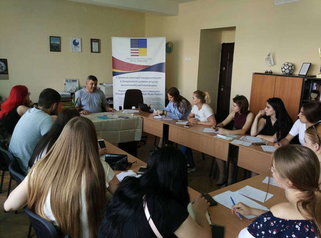 Рік навчання журналіста, рекламіста та піарника в Ужгороді – майже втричі дешевше, ніж у Києві