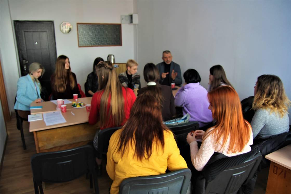 Обговорення навчальних планів і програм зі студентами відділення журналістики УжНУ