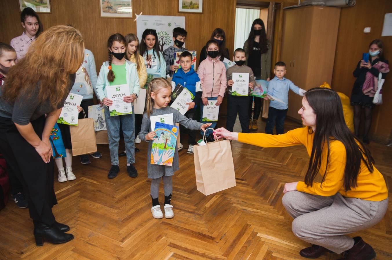 Україна задає світові тренди: в Ужгороді підбили підсумки акції «Озеленення планети»