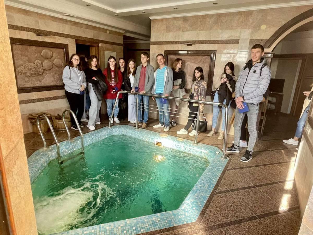 Студенти факультету туризму та МК ознайомилися із закладами гостинності краю